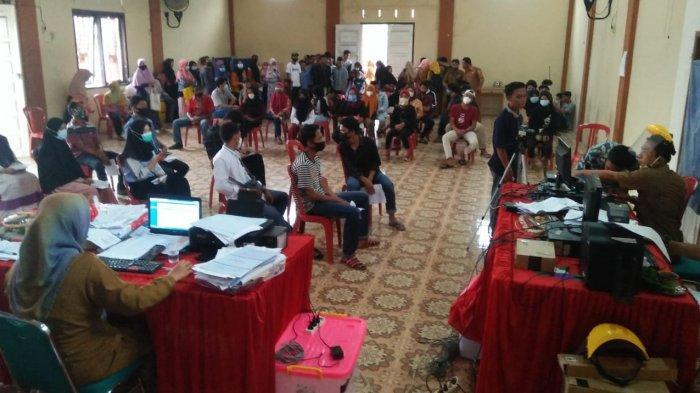 Disdukcapil Tanggamus Layani 290 Perekaman KTP di Talang Padang