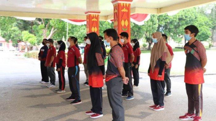 Sekkab Lampung Barat Lepas 25 Atlet Berlaga di Kejurda Lampung 2021