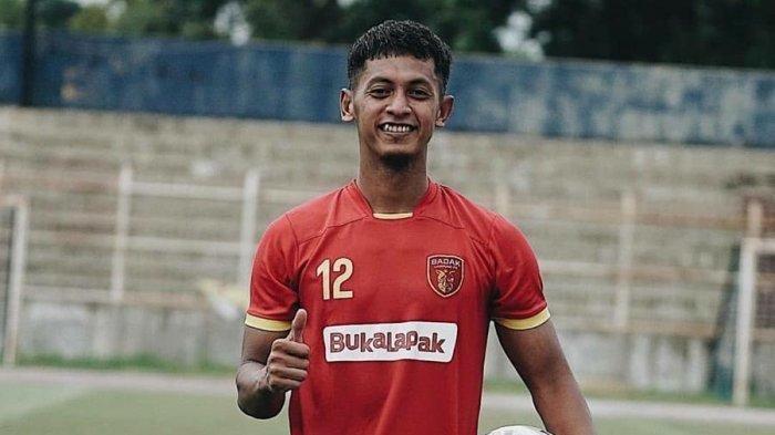 Pemain Badak Lampung Yongki Aribowo Tetap Menjaga Kebugaran Selama Libur Kompetisi