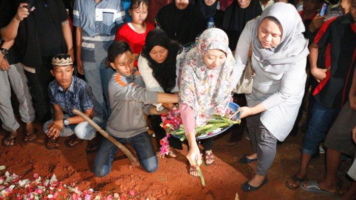 Kekasih Briptu Ridho, Korban Bom Kampung Melayu, Rasakan Firasat Ini Usai Teleponan