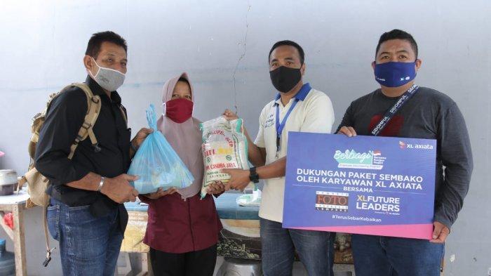 XL Axiata Bagikan 50 Paket Sembako untuk Masyarakat Terdampak Covid-19 di Bandar Lampung