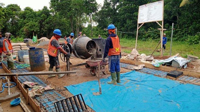 Pembangunan Padat Karya Bantu Masyarakat Terdampak Pandemi Covid-19.