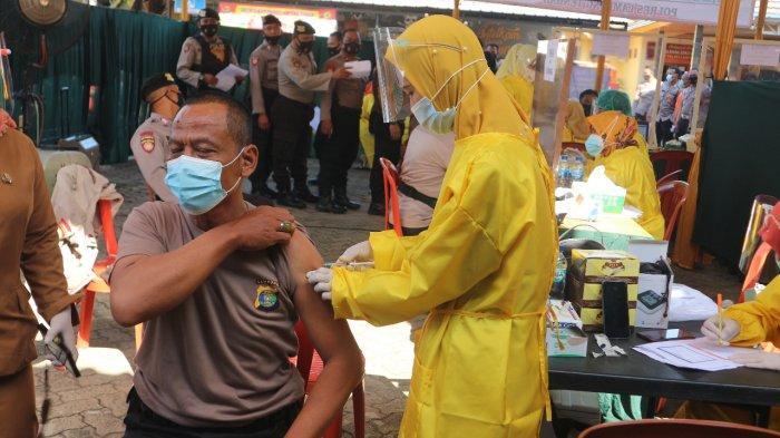 Capai Herd Immunity, Pemberian Vaksinasi Massal Digencarkan  di Lampung Tengah