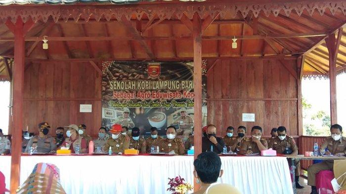 Pemkab Lampung Barat Gelar Rakor Penerapan PPKM, Parosil: Jangan Tutup Mata