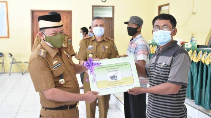 Pemkab Lampung Timur Serahkan Penghargaan Lomba Penyuluh Teladan dan Pelaku Berprestasi