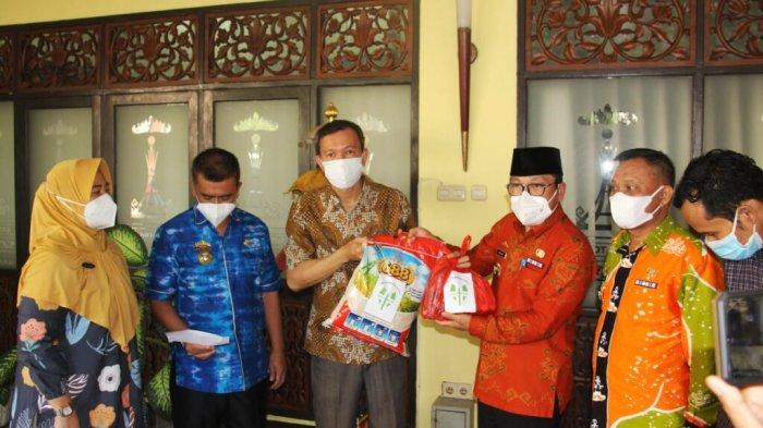 Pemkot Metro Lampung Terima Bantuan APD hingga Beras dari Pelaku Usaha
