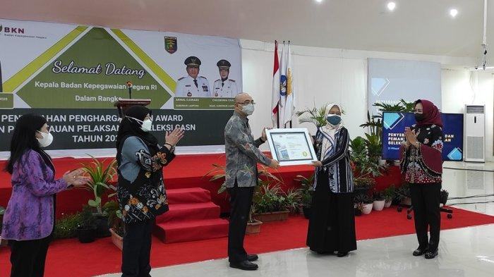 Pemprov Lampung dan Pemkab Tulangbawang Raih BKN Award 2021