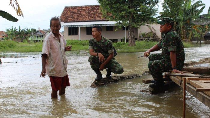 Lingkungan Bugis Tulangbawang Banjir, Air Setinggi 60 Cm Kepung Warga