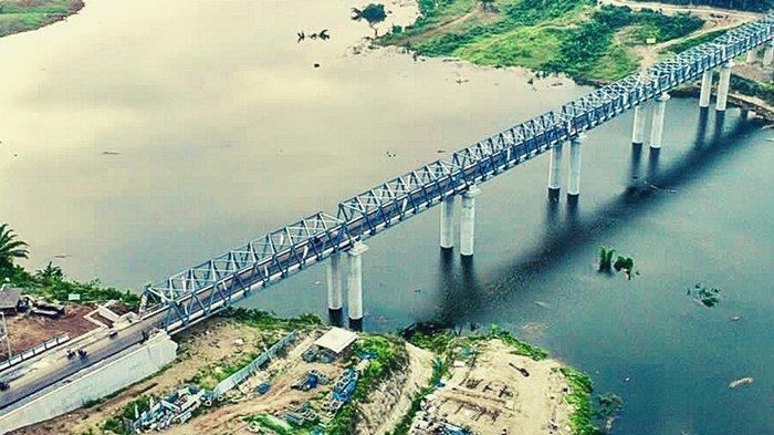 Penampakan Jembatan Terpanjang di Lampung di Atas Bendungan Way Sekampung