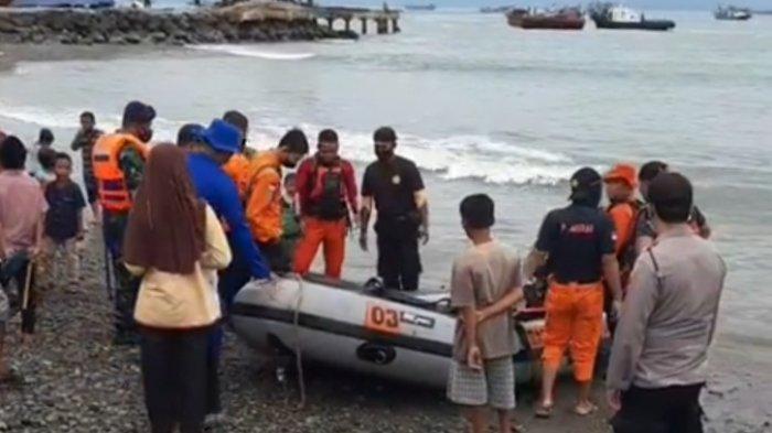 Tim Gabungan Cari Mayat Terapung di Perairan Teluk Semaka Lampung