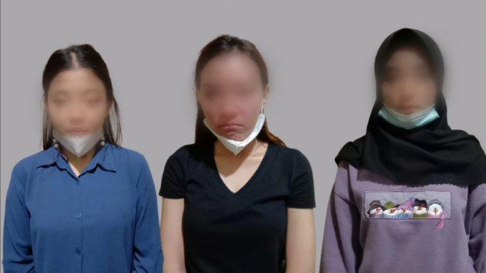 Tiga perempuan muda nan cantik tepergok mengutil di sebuah minimarket yang ada di Kecamatan Gadingrejo, Kabupaten Pringsewu, Kamis (11/2/2021) sekira pukul 15.30 WIB.