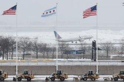 6.000 Penerbangan Dibatalkan Akibat Badai Salju di AS