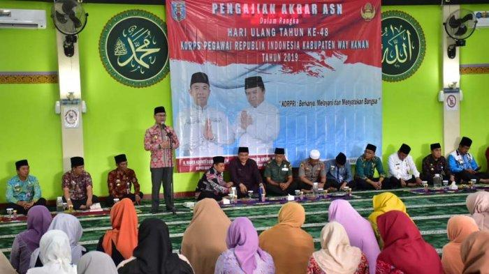 Wakapolres Way Kanan Hadiri Pengajian Akbar ASN di Masjid Agung Ashabul Yamin