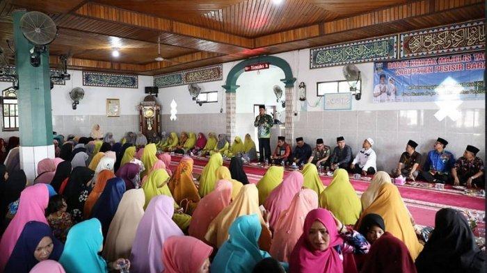 Bupati Pesibar: Pengajian BKMT Pekon Menyancang berperan cerdaskan kehidupan dan kesejahteraan umat