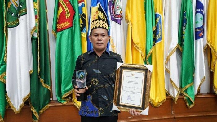 Pesisir Barat Terima Penghargaan Swasti Saba Sebagai Kabupaten/Kota Sehat