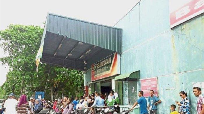 Ribuan Orang Ngamuk di Mal karena Jadi Korban Hoax Bakal Ditraktir Putra Mahkota