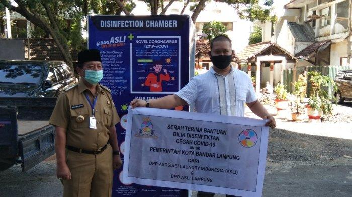 Pengusaha Laundry Lampung Sumbang Bilik Disinfektan