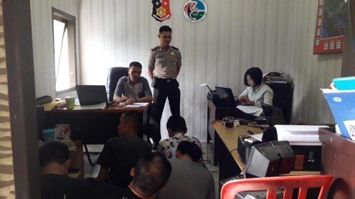Polisi Gerebek Room Karaoke di Pringsewu, Amankan 10 Orang Berikut 8 Butir Ekstasi dan Sajam
