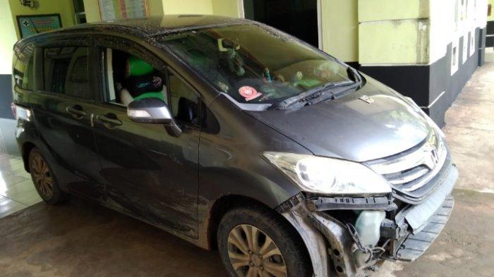 Di dalam mobil Honda Freed B 2043 UBC inilah, pelaku menyekap korban.