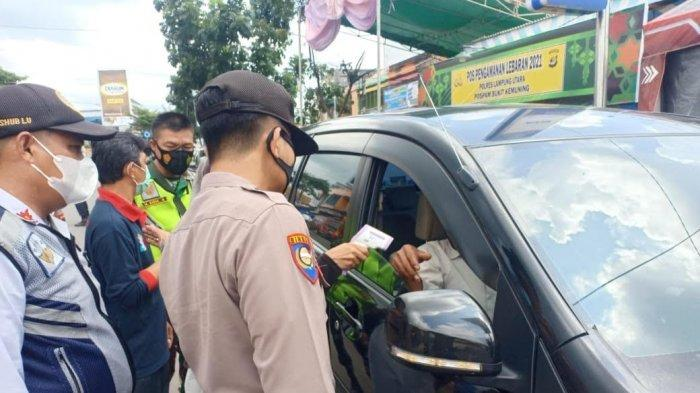 Kegiatan Penyekatan, Petugas Polres Lampung Utara Periksa 20 Kendaraan Arus Balik