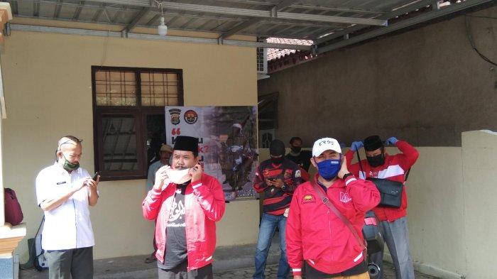 MTRH Lampung Semprot Disinfektan dan Bagikan Masker di Tiga Kelurahan di Panjang
