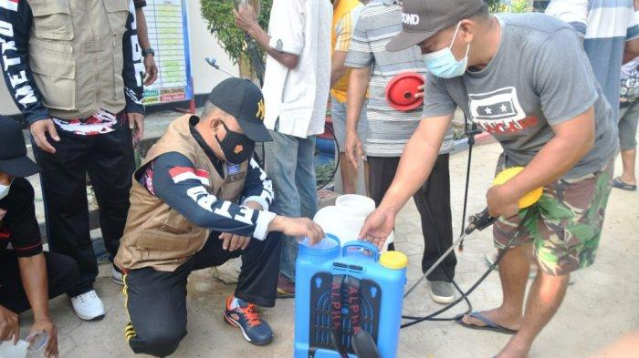 Pemkot Metro Lampung Bagikan Masker di Kelurahan Purwosari