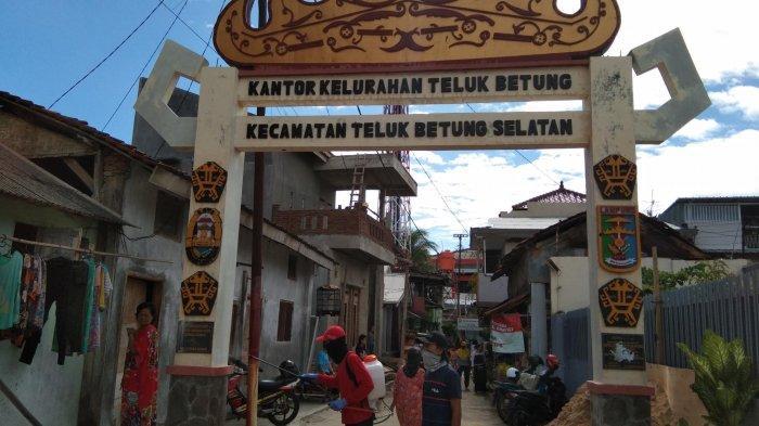 Semprot Disinfektan di Dua Kelurahan, MTRH Lampung Sosialisasi Pola Hidup Sehat dan Bersih