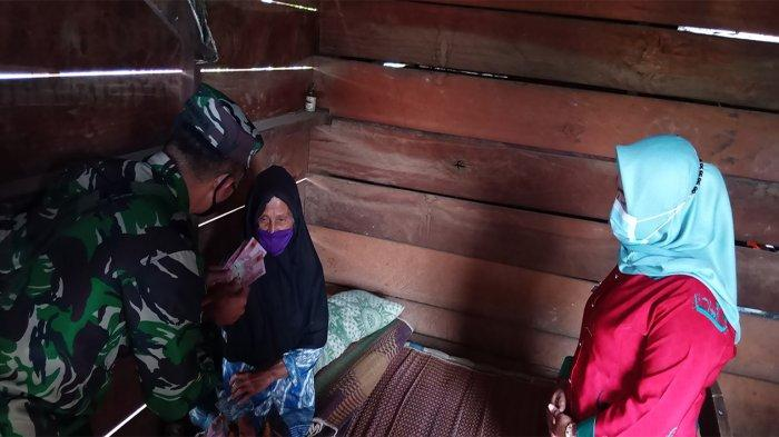 Hindari Kerumunan, Peratin Cipta Waras Lampung Barat Bagikan BLT DD Secara Door to Door