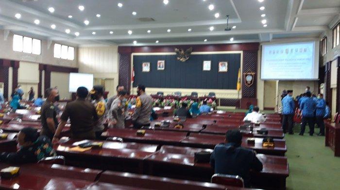 Wagub Nunik Serahkan Surat Tugas Plh 8 Kepala Daerah di Lampung