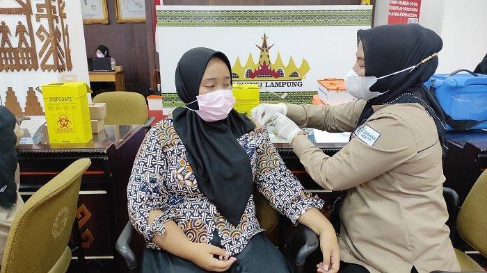 Vaksinasi Nakes di Lampung Utara Capai 98,5 Persen
