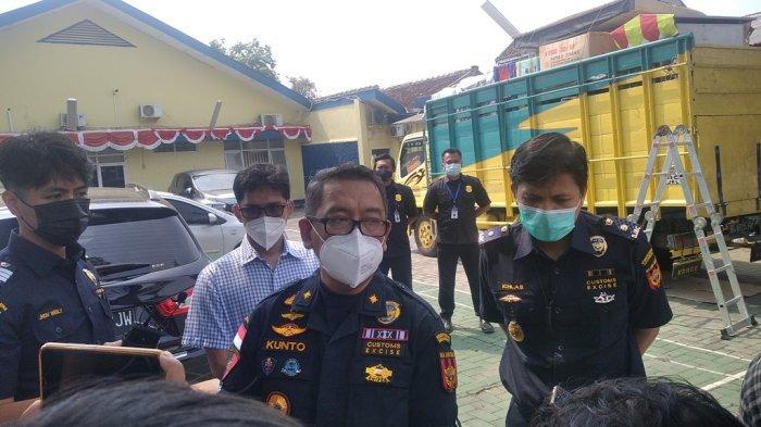 Modus Kamuflase, Truk Rokok Ilegal di Lampung Selatan Muat Perabotan Rumah