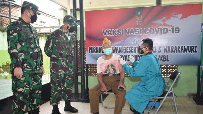 Kolonel Inf Romas Herlandes Buka Kegiatan Vaksinasi Covid 19 kepada Keluarga Besar TNI