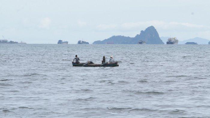 Gelombang Laut Sangat Tinggi Terjadi di Pesisir Barat Lampung, Warga Diminta Waspada