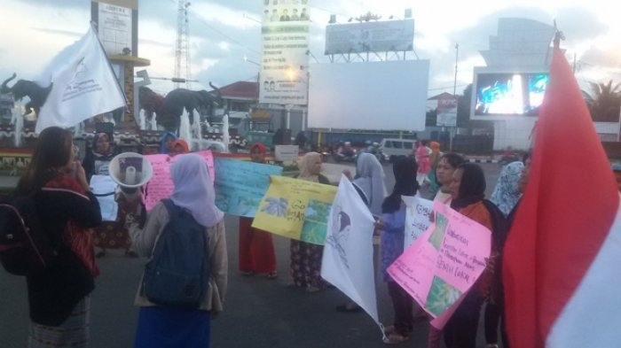 Solidaritas Perempuan Sebay Lampung Peringati Hari Pangan Dunia di Bundaran Gajah