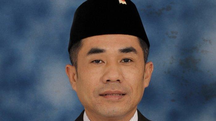 Perjalanan Hidup Edi Novial, dari Seorang Penjual Beras Keliling Kini Ketua DPRD Lampung Barat