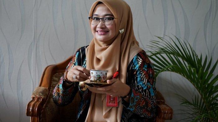 Perjalanan Karir Tri Umaryani, Satu-satunya Wanita yang Menjabat Kepala OPD di Lampung Barat