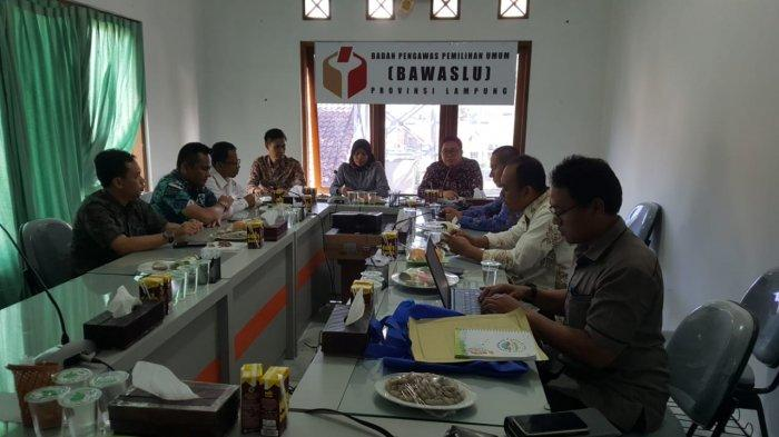 Persipan Pilkada Serentak, KPU Lampung yang Baru Kunjungi Bawaslu  KPU: Bawaslu Saudara Kandung