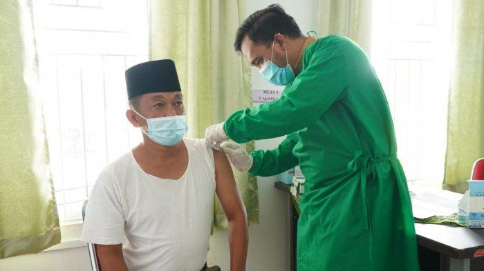 Umar Ahmad Minta Warga Tidak Takut Ikut Vaksinasi