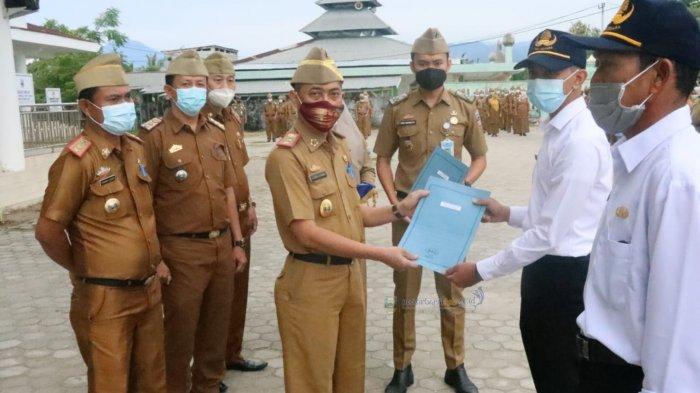 Lingga Kusuma Serahkan SK CPNS dari Lulusan Sekolah Tinggi Transportasi Darat dan Pegawai Pemerintah