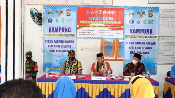 Plh Bupati Pesisir Barat Hadiri Acara Launching Kampung Tangguh Nusantara Kecamatan Krui Selatan
