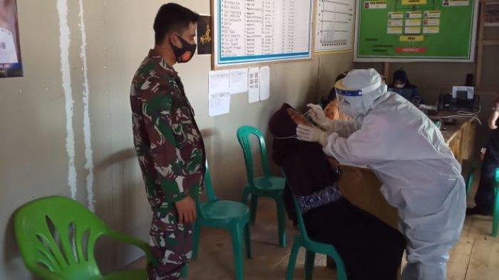 Petugas Puskesmas Tracing 30 Warga di Pesisir Barat Lampung