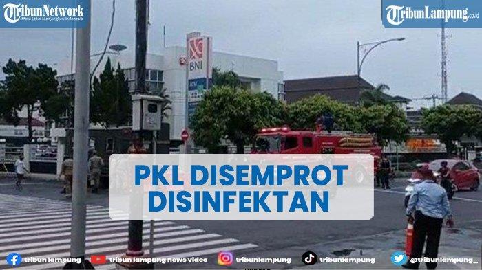 PKL di Alun-alun Purwokerto Disemprot Disinfektan Pakai Mobil Pemadam Kebakaran
