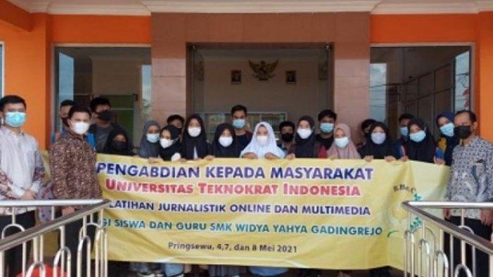 Tim PTS Terbaik di Lampung, Teknokrat Gelar Pelatihan Jurnalistik Multimedia di SMK Widya Yahya