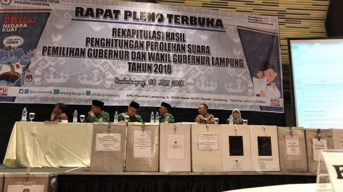 4 Saksi Paslon Saksikan Pleno Rekapitulasi KPU   Tingkat Provinsi Lampung