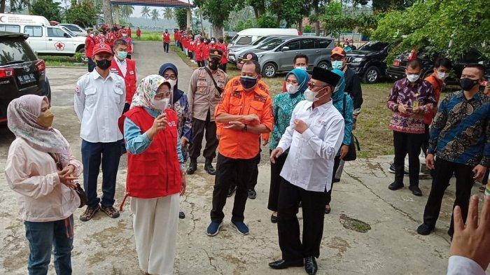 PMI Lampung Serahkan Bantuan ke Korban Banjir Semaka Tanggamus