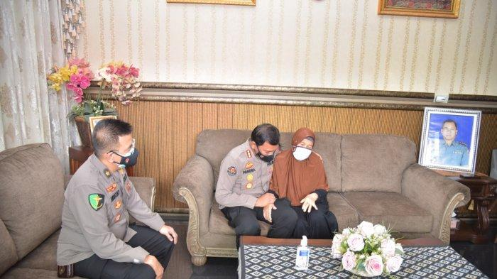 Polda Lampung Beri Pendampingan Psikologis kepada Keluarga Korban Tenggelamnya KRI Nanggala 402
