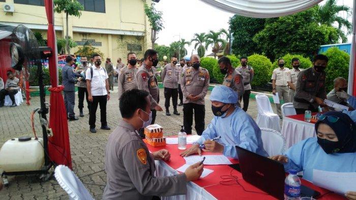 Polda Lampung Lakukan Vaksinasi Covid 19 Tahap II di Satker Polda Lampung