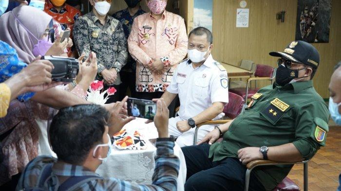 Kapal Isolasi Pasien Covid 19 KM Lawit Bersandar di Dermaga IPC Panjang