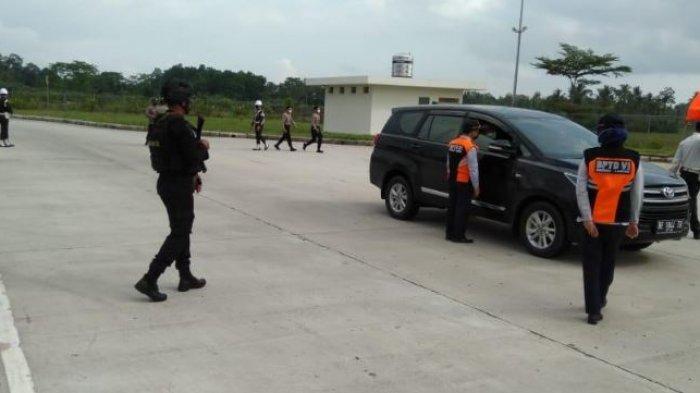 Brimob Lampung dan Personil Kompi 2B Pelopor Lakukan PAM Arus Balik Hari Raya Idul Fitri 1442
