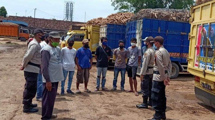 Polres Lampung Tengah Sosialisasi Protokol Kesehatan di Pabrik Pengolahan Singkong